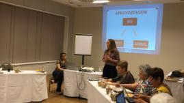 Palestra da psicopedagoga Kelma Peres, representante da Associação Brasileira de Psicopedagogia, setor Ceará.