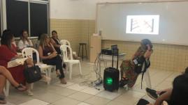 Participantes da oficina de Observação e análise de imagens, ministrada pela professora Maria Elizabeth Fassa.